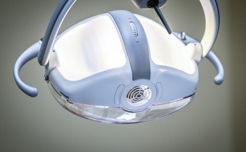 Zdrowe i mocne zęby bez próchnicy – zadbaj o nie już dziś. Ból zębów – leczenie i profilaktyka
